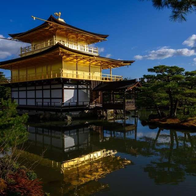 青空と金閣寺