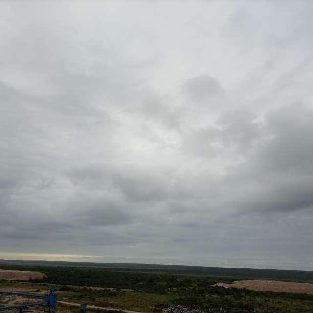 Céu muito nublado