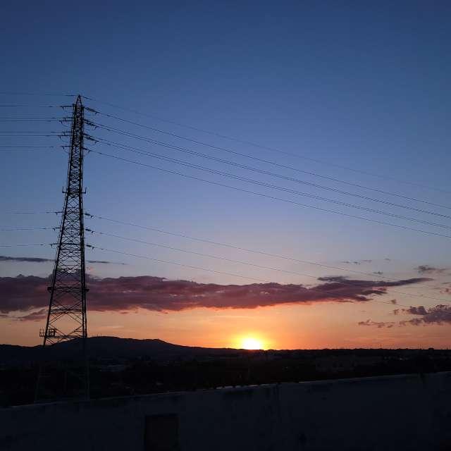 鉄塔のある夕陽
