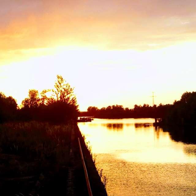 Старий річковий порт.