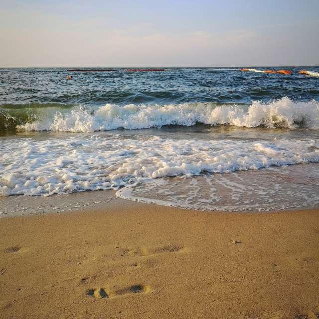Breeze Beach - Naklua Thailand